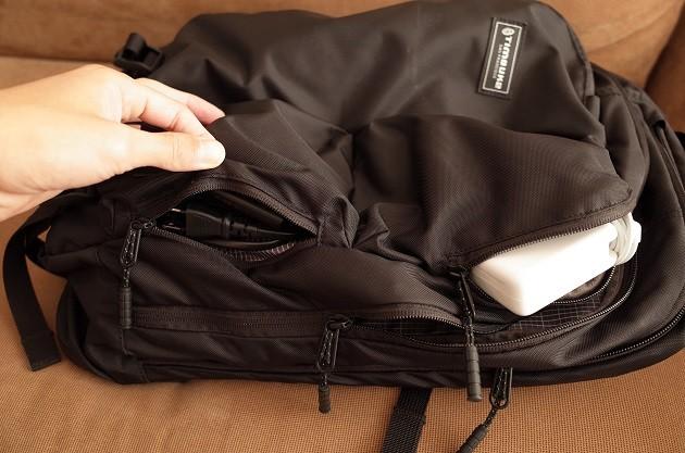 TIMBUK2バックパックのポケット部分の写真