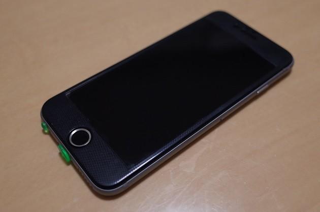 ガラスフィルムを貼ったiPhone6の写真