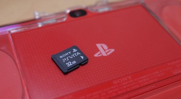 PS Vitaと同時購入したPS Vitaメモリーカード32GBの写真