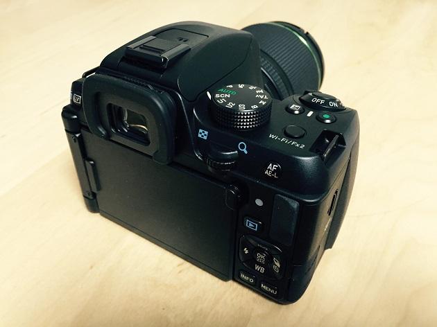 PENTAX K-70 背面の操作ボタンの写真