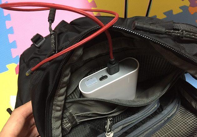 TIMBUK2 バックパックの内ポケットにcheero power plus 3を入れる