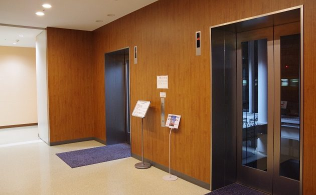 アイ・リンクタウン45F、展望ロビーへとつながるエレベーター