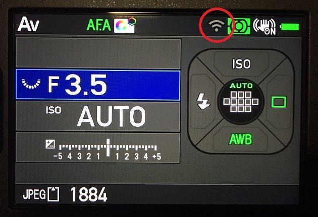 PENTAX K-70のWi-Fi機能オン時の液晶画面