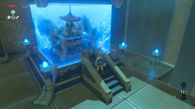 カヤ・ミワの祠の祭壇前