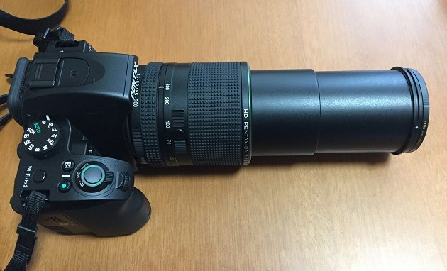 HD PENTAX-DA 55-300mmF4.5-6.3ED PLM WR REのズームしきった状態