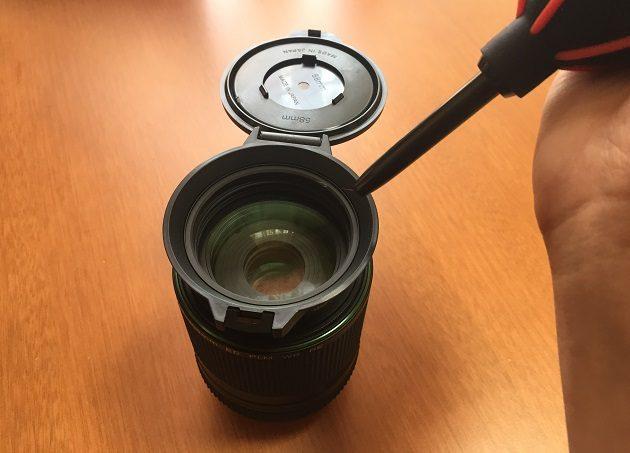 フリップキャップを装着したレンズの掃除