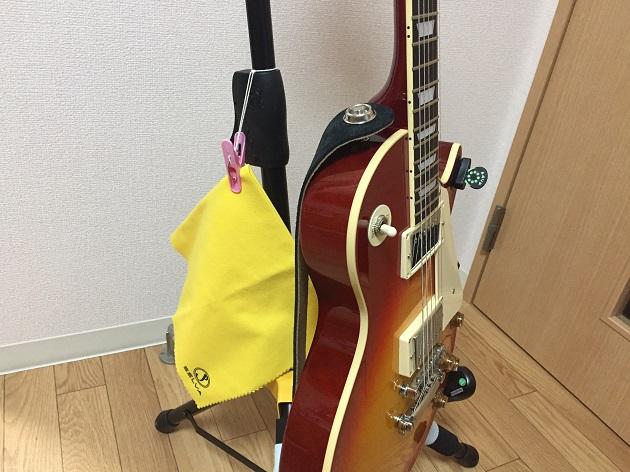 ギタースタンドとギタークロス